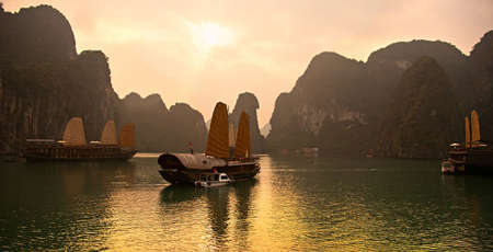 Top 3 experiencias imperdibles en la Bahia de Halong