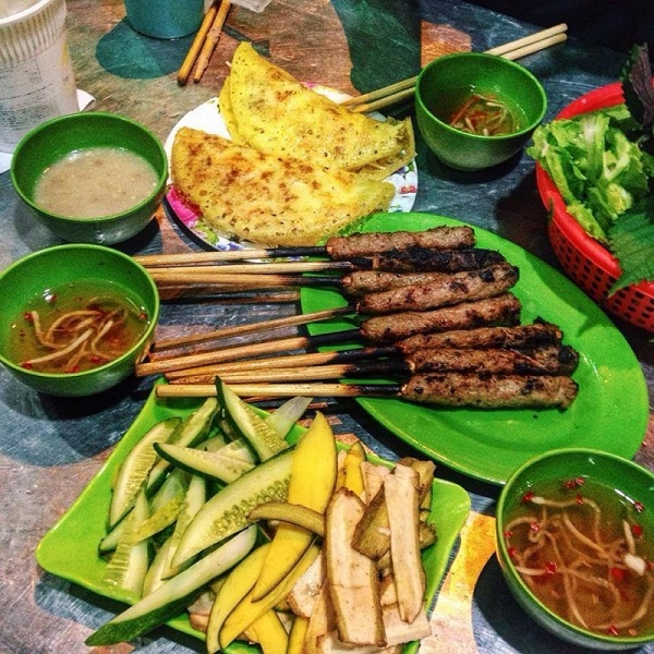 Comida vietnamita en la calle