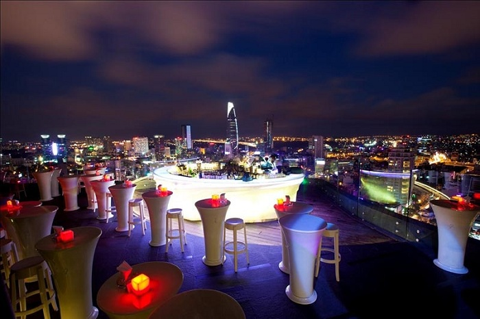 Bar terraza en Saigon Ho Chi MInh Vietnam