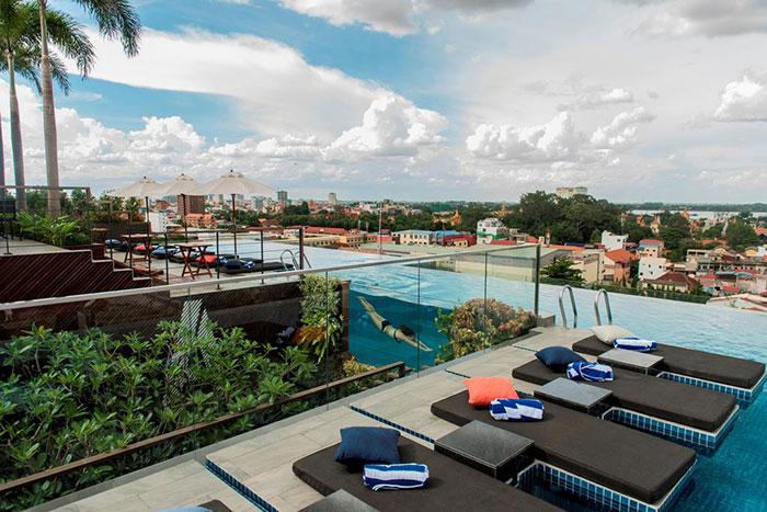 Aquarius Hotel Urban Resort en Nom Pen