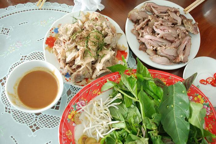 Especialidade culinarias de Ninh Binh la Bahia de Halong en tierra