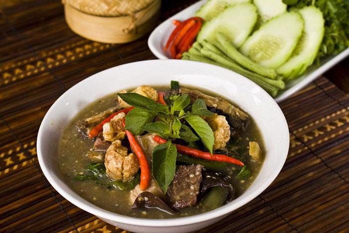 O lam plato tipico de Loas