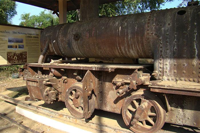 Tren frances vestigio en las 4000 islas Laos