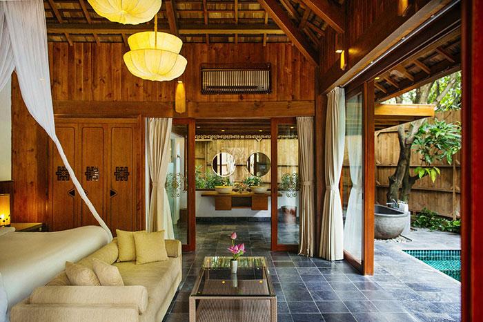 An Lam Retreats Saigon