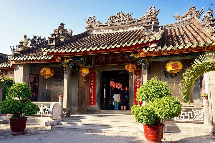 Arquitectura de la casa comunal de fujian en Hoi An