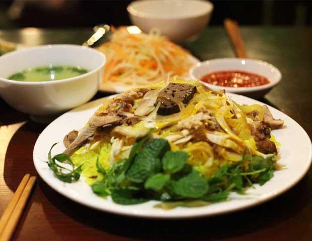 Arroz con pollo gastronomia de Hoi An