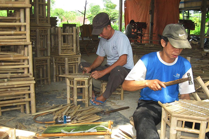 Artesanos de bambu en Vietnam