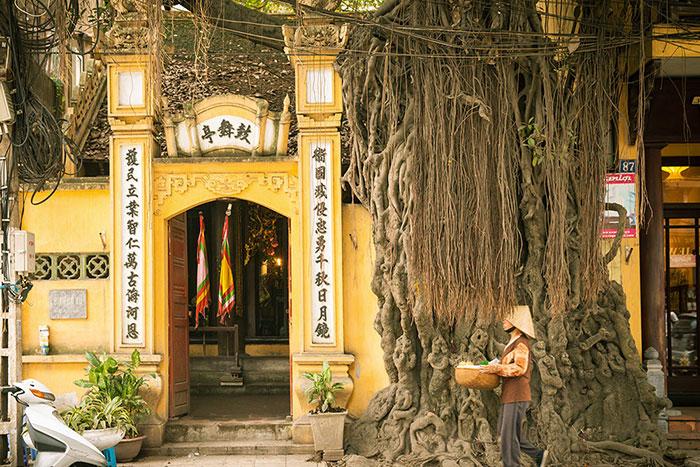 Templo en el barrio de los 36 gremios de Hanoi