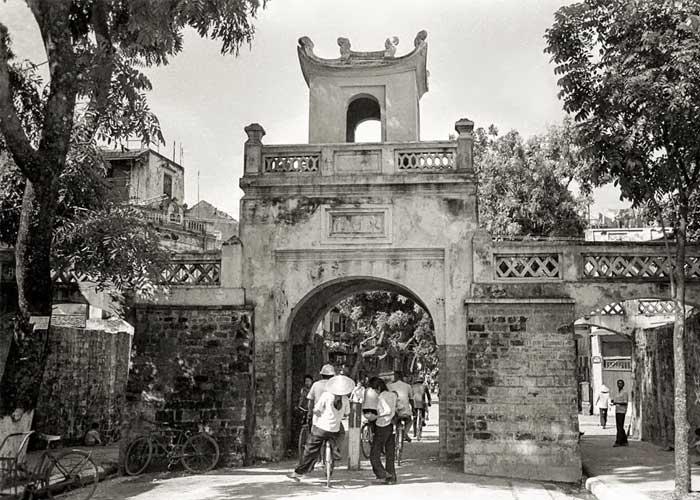 Restos de la entrada al barrio antiguo de hanoi