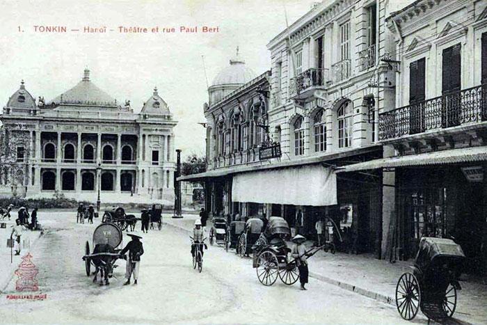 Grandes tiendas en el antiguo barrio frances de Hanoi