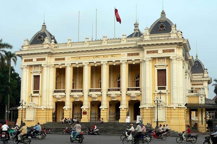 Opera de Hanoi en el antiguo barrio frances