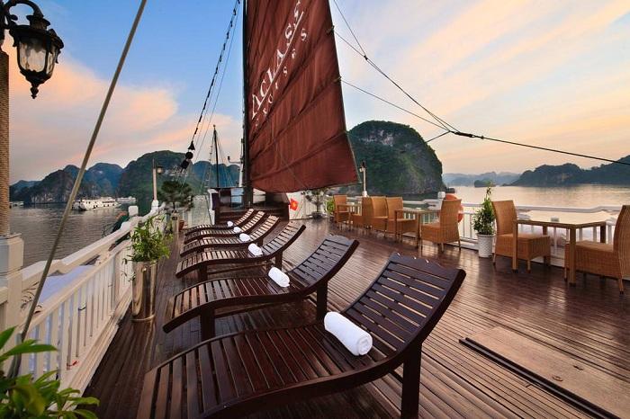 A bordo de un crucero en la Bahia de Halong