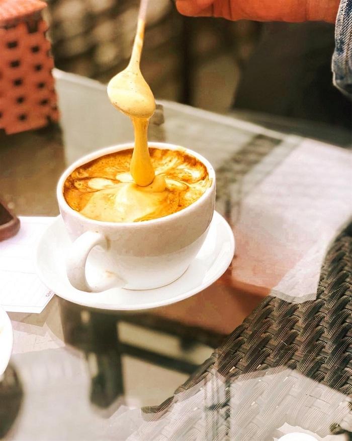 Famoso cafe con huevo de Hanoi