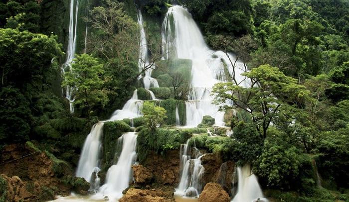 Cascada Dai yem en Moc Chau Vietnam