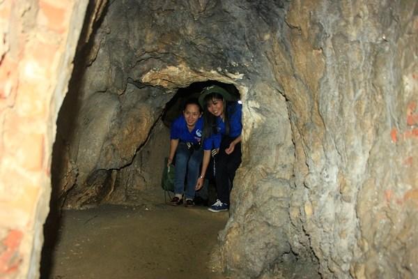 Interior de la caverna de Trung Trang