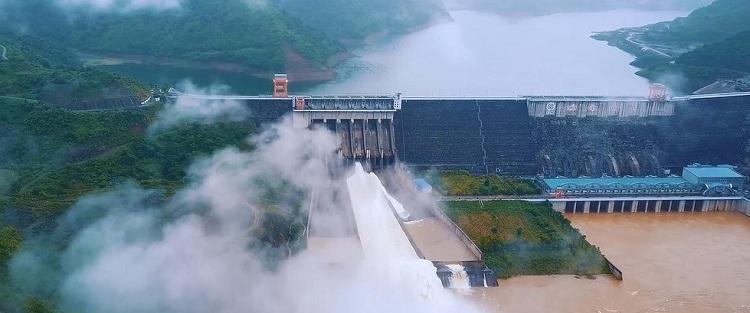 Central hidroelectrica de Son La