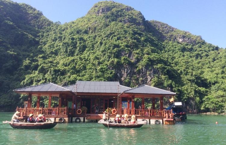 Centro cultural acuatico en la Bahía de Halong