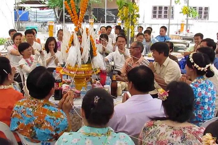 Ceremonia del baci en Laos