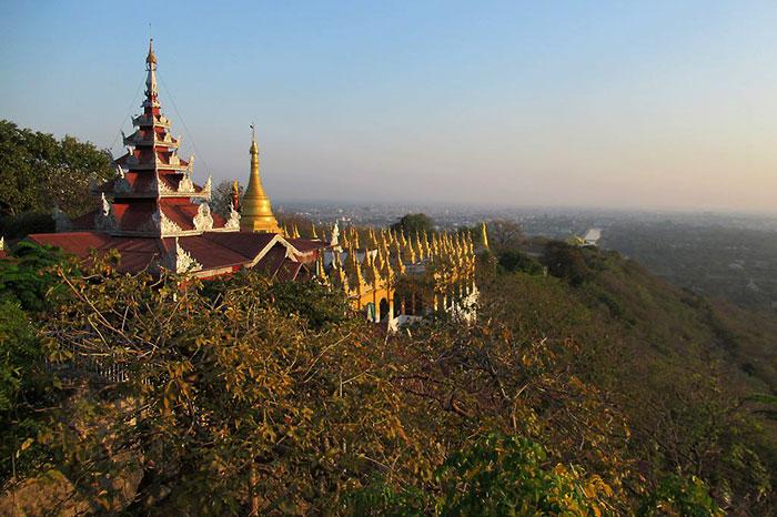 Pagoda en Mandalay viaje a Myanmar
