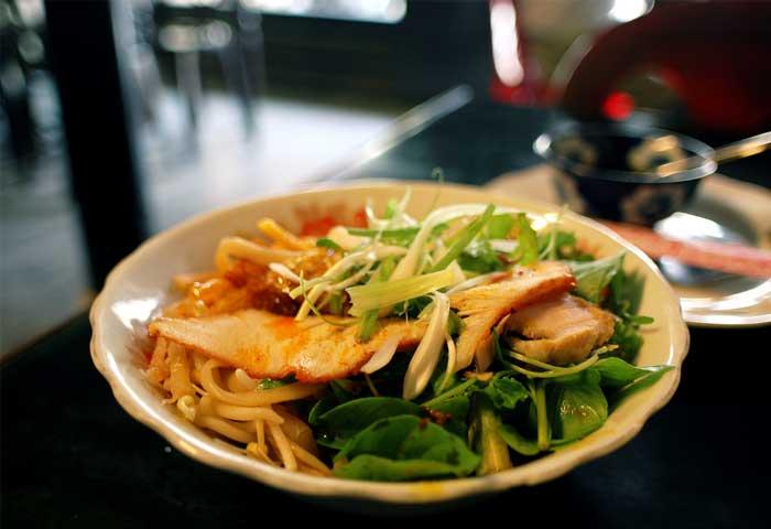 Cao Lau especialidad culinaria de Hoi An