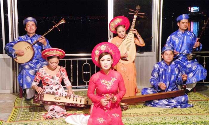 Canto tradicional de la ciudad de Hue