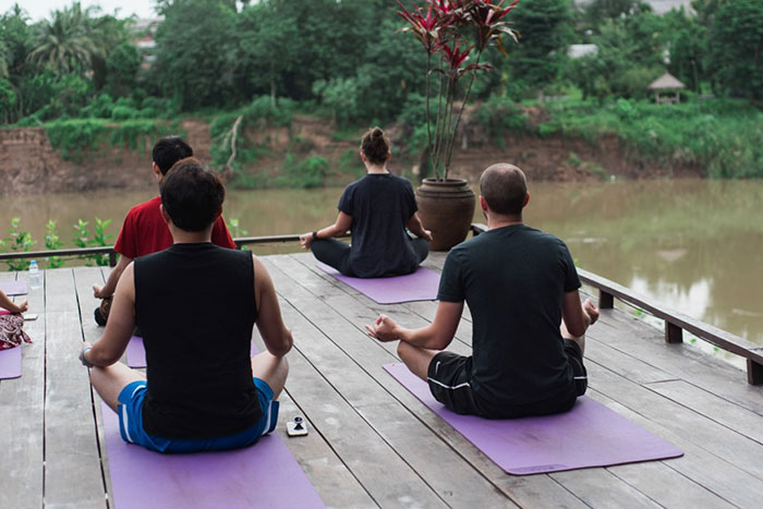 Clase de yoga en Luang Prabang en Laos