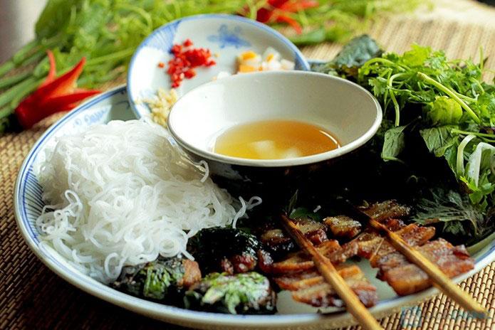 cocina callejera antiguo barrio hanoi mercado dong xuan