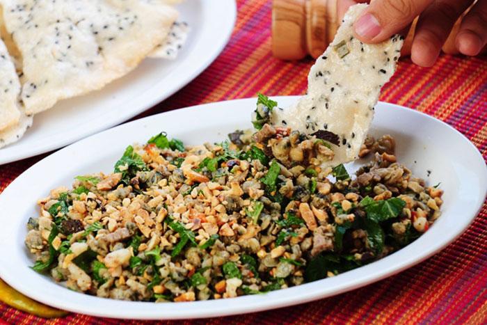 Aroz con almejas com hen en Hue Vietnam