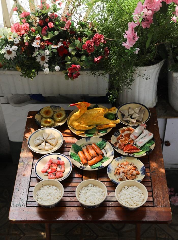 Comida tradicional durante el Tet en centro