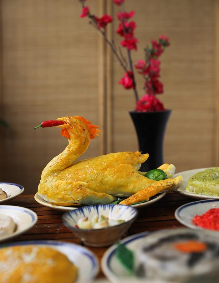 Comida tradicional durante el Tet pollo