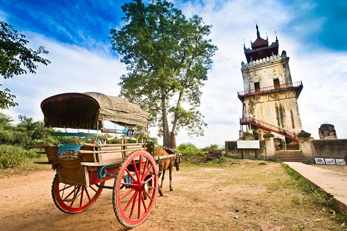 Ava antigua capital real de Birmania