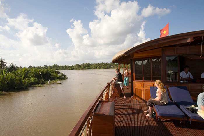 Cubierta superior de un crucero por el rio Mekong