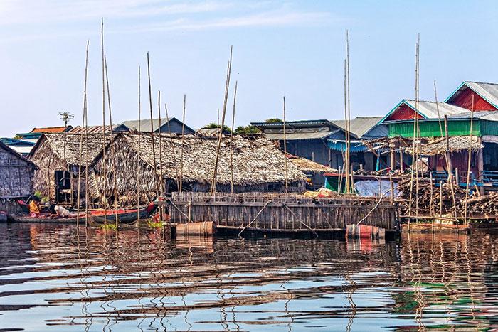 Vida fluvial en crucero por el lago Tonle Sap