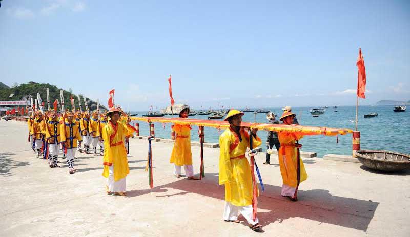 Fiesta de pescadores en la isla Cham