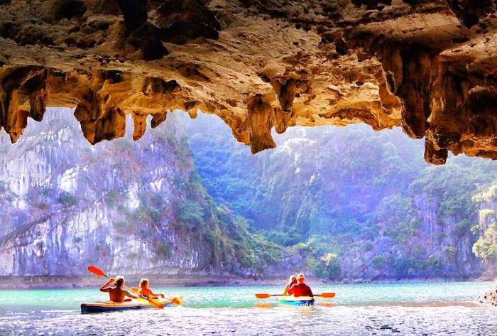 Cueva Luon en la Bahia de Halong