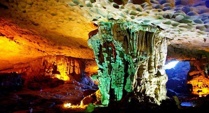 Cueva del Palacio Celestial Bahia de Halong