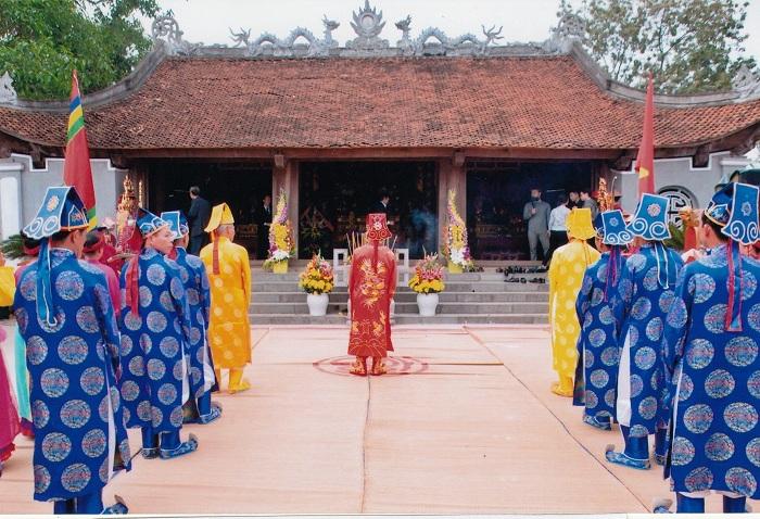 El culto a los antepasados en Vietnam templo
