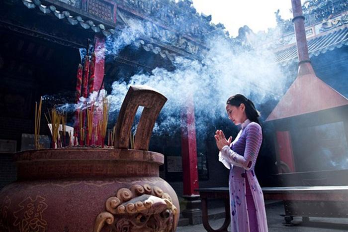 El culto a los antepasados en Vietnam Tet