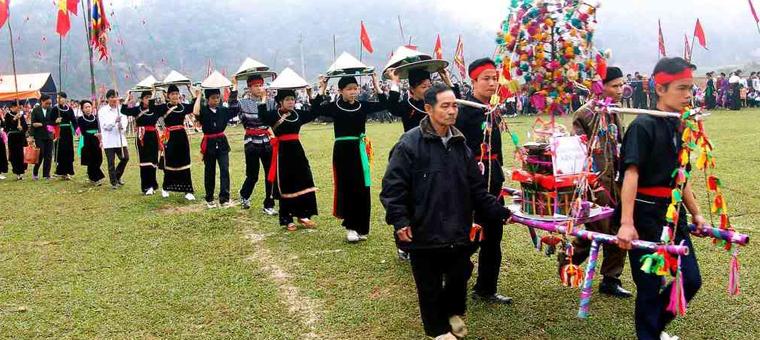 Culto de la etnia Tay