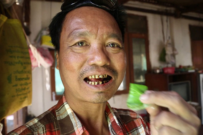 Masticador de betel en Birmania