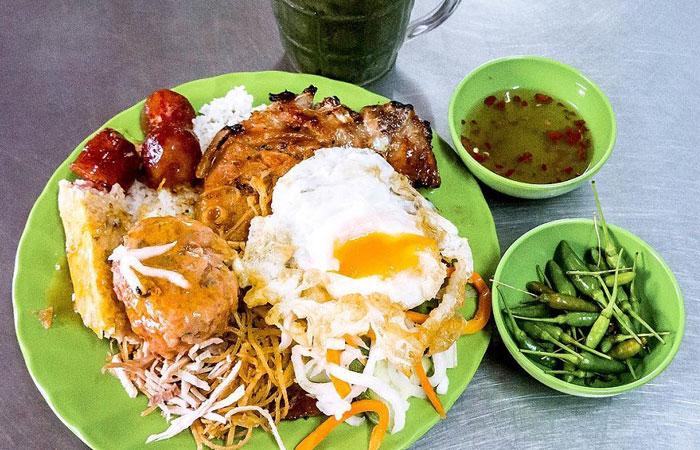 Desayuno saigones com tam arroz tres tesoros