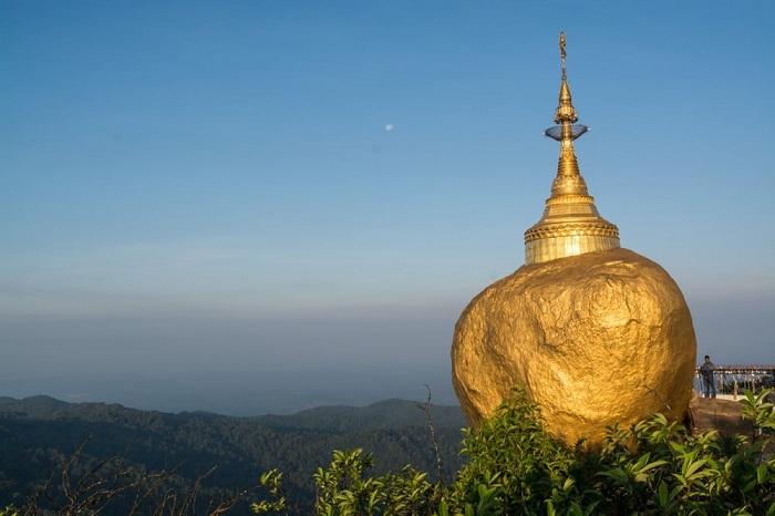 La roca de oro en Myanmar