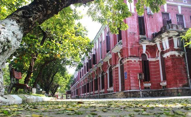 La Escuela nacional de Hue Vietnam