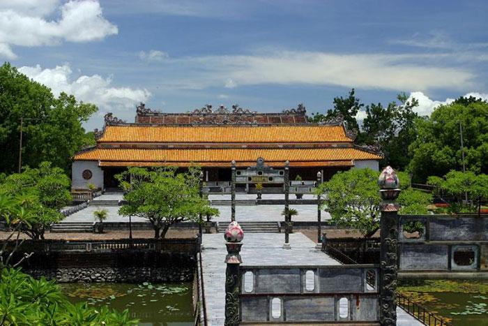 Esplanada de la ciudadela de Hue