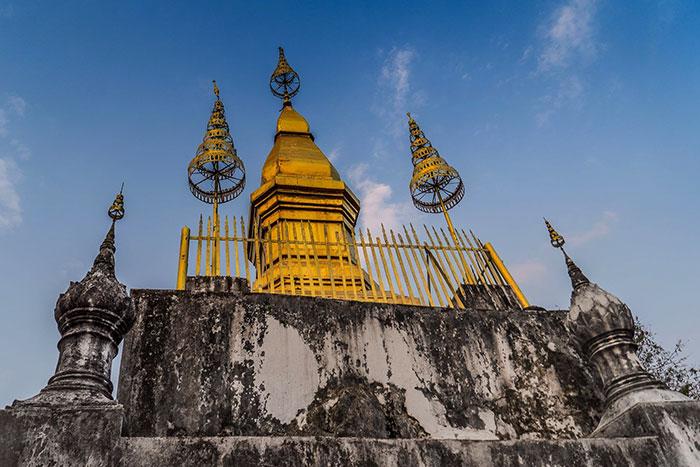 Estupa de oro del monte Phousi en Luang Prabang