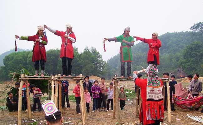 Ceremonia cap sac etnia Dao