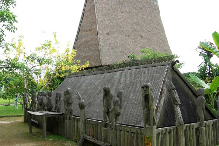 Casa comunal funerario Jarai