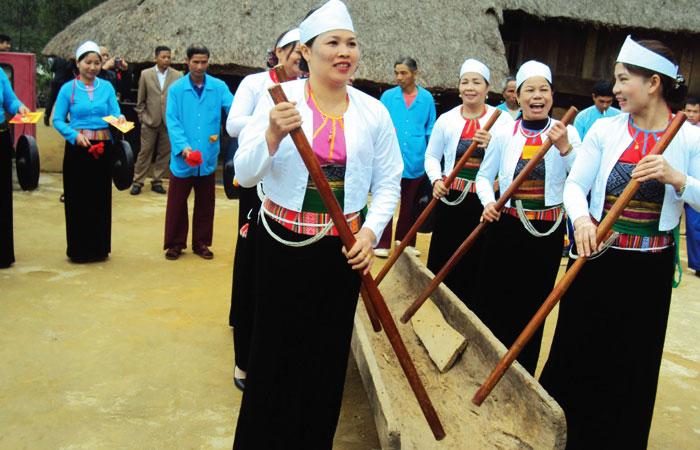 Vestimenta tradicional de la etnia Muong