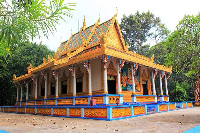 Pagoda de Soc Trang en el delta del rio Mekong Vietnam
