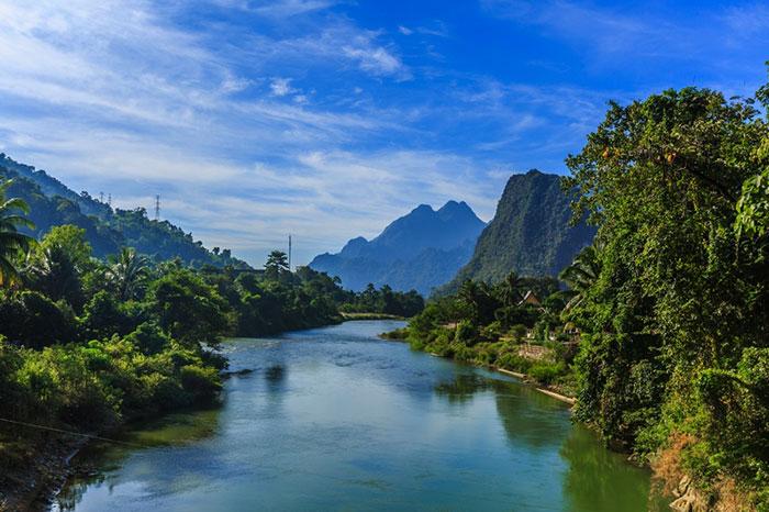 Exploracion por el rio Nam Ou en Laos